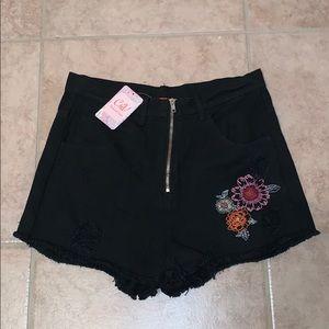 BOGO half off NWT Chelsea and Violet shorts floral
